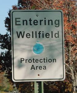 wellfield-area-sign